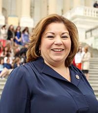 Linda Sanchez photo